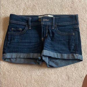 Never worn Hollister shorts size 00!